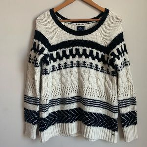 American Eagle Outfitters CableKnit Sweater size M